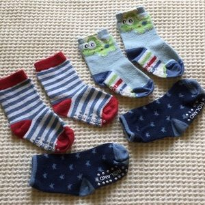 Other - ⭐️ 3 pairs socks